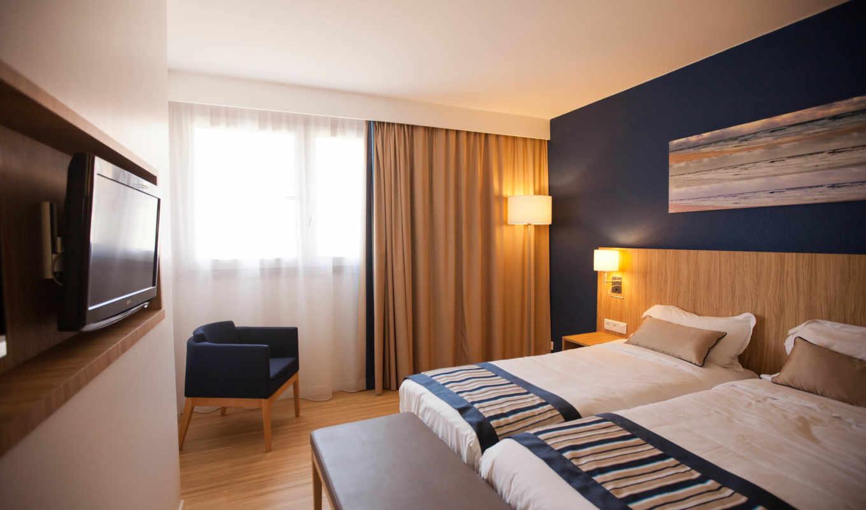 кресло, интерьер, кровать, комната, занавески,