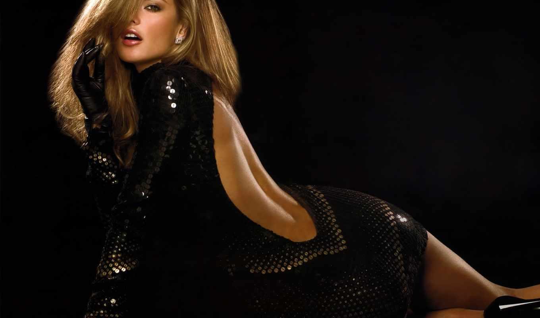 Фото девушки в черном платье 22 фотография