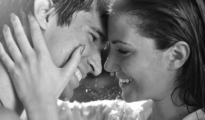 любовь, он и она, черно-белый, нежность, улыбка, дождь