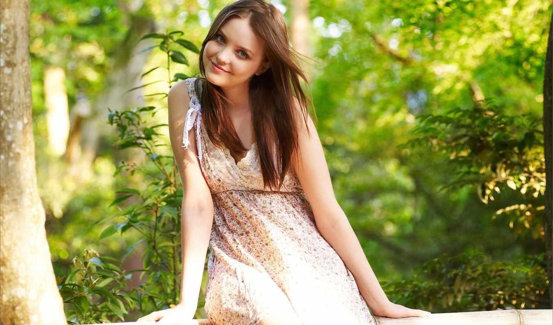 браун, девушка, улыбка, amelie, emily, взгляд, девушки, красивые,
