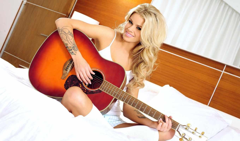 тату,гитара, девушка, блондинка,