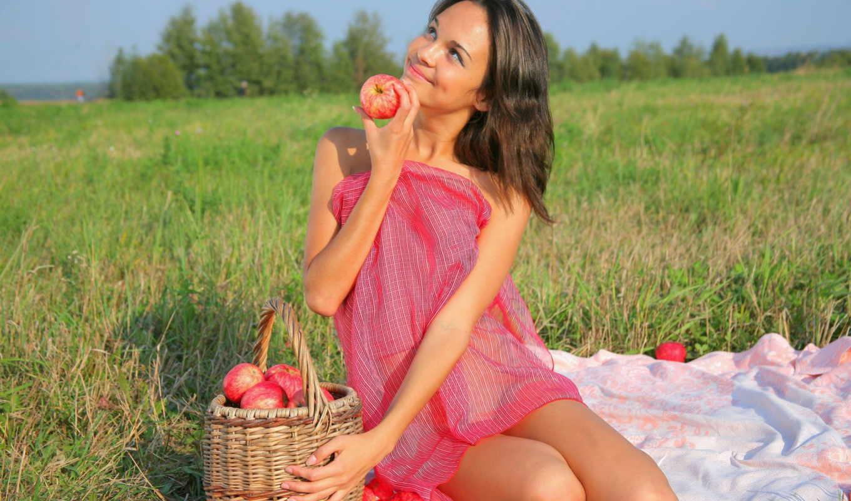 девушка, яблоки, поле, трава, девушки, улыбка,