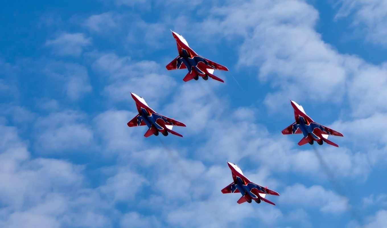 стрижи, миг, полет, многоцелевой, истребитель, высота, самолеты, пилотажная, группа, небо, облака, авиация, картинка,