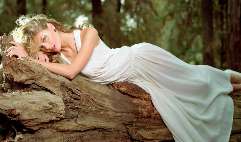 платье, девушка, лежит, сонник, дереве, fashion, card, sears, вечернее, спать,