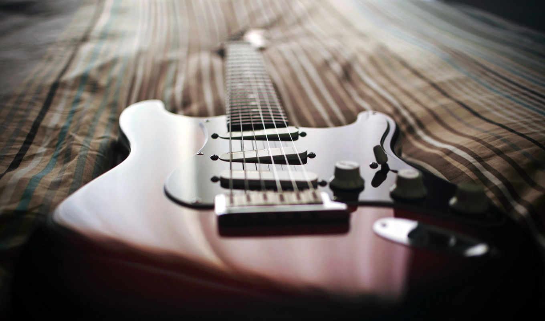 ,диван,гитара,гриф,