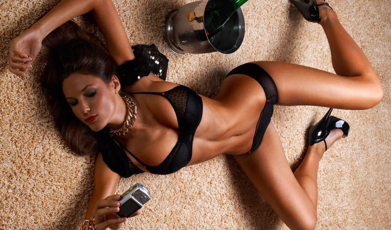 Сильно пьяная женщина 10 фотография