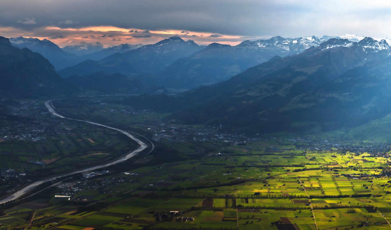 небо, горы, долина, поля, дома, река, деревья,