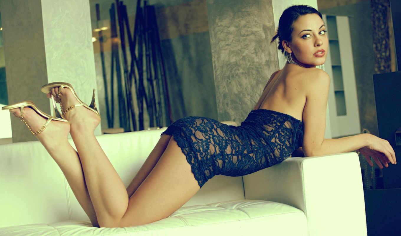 lorena, garcia, диван, brunette, ножки, туфли, девушка,