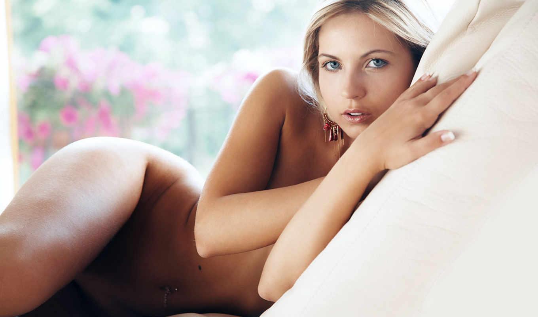 jenni, gregg, девушки, поза, кровать, бедра, глаза, голубые, голая, губки, девушка, you, взгляд, лицо, тело,