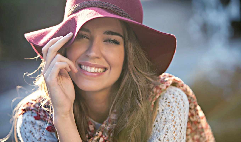 clara, alonso, улыбка, радость, шляпа