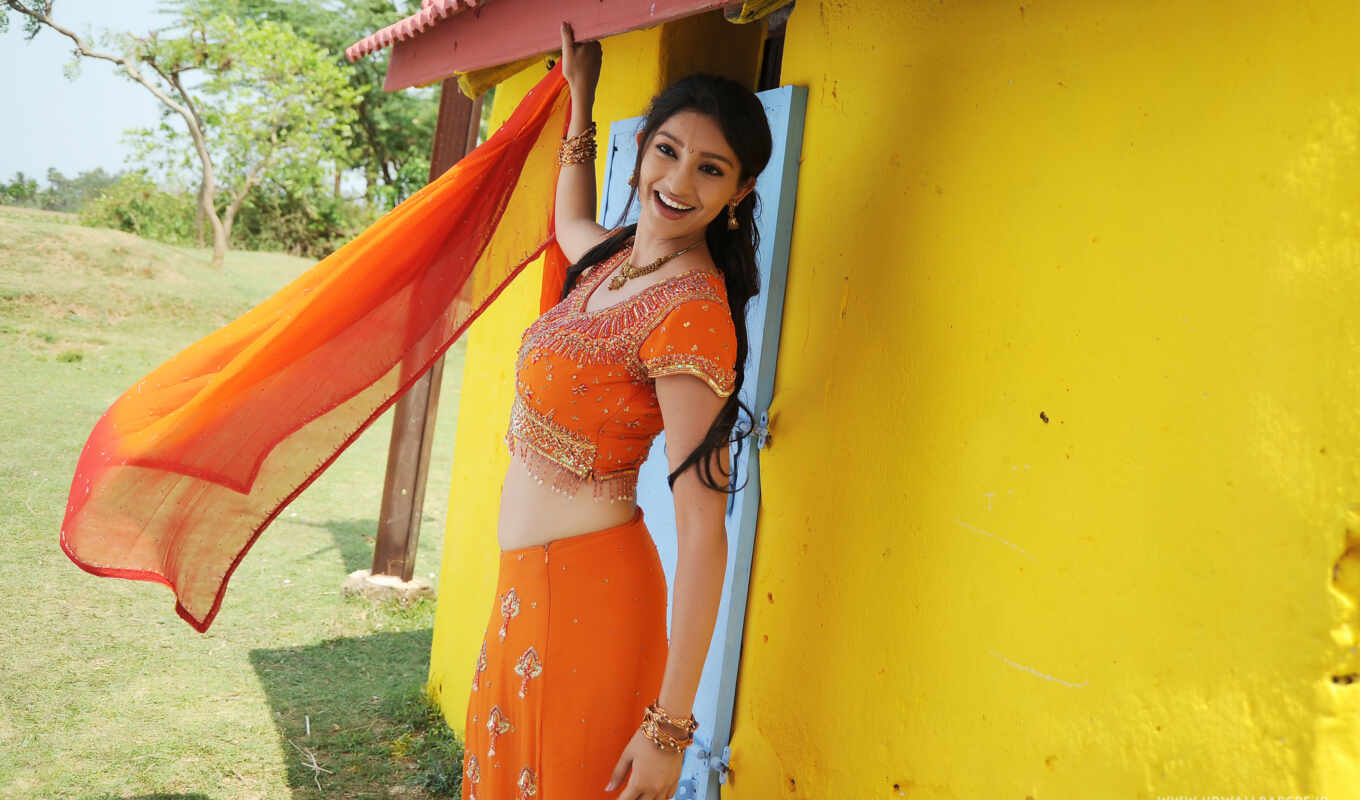 tanvi, vyas, nenem, pillana, chinna, hot, movie, telugu, rahul, saree, babu,