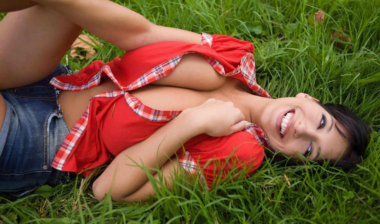 трава, зелёная, кофточка, обои, улыбка, красная, г
