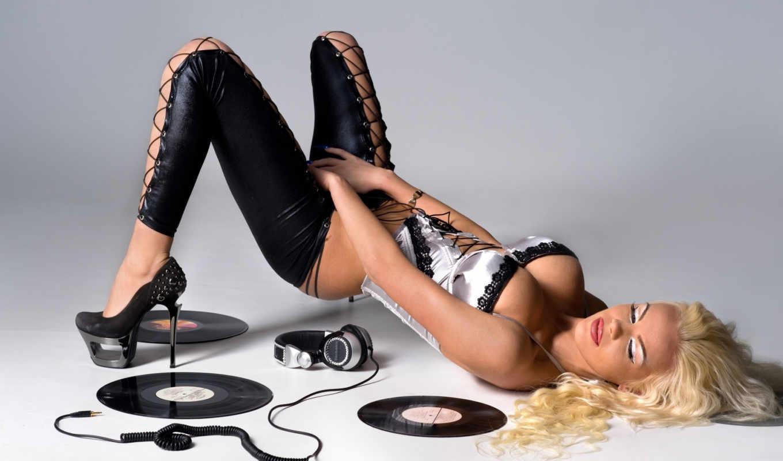 девушка, красивая, лежит, devushki, поза, картинка, диски, blonde, рисунок, фото,