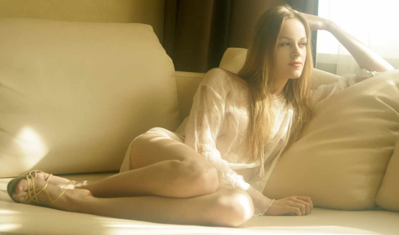 девушка, диван, задумчивость, диване, свет,