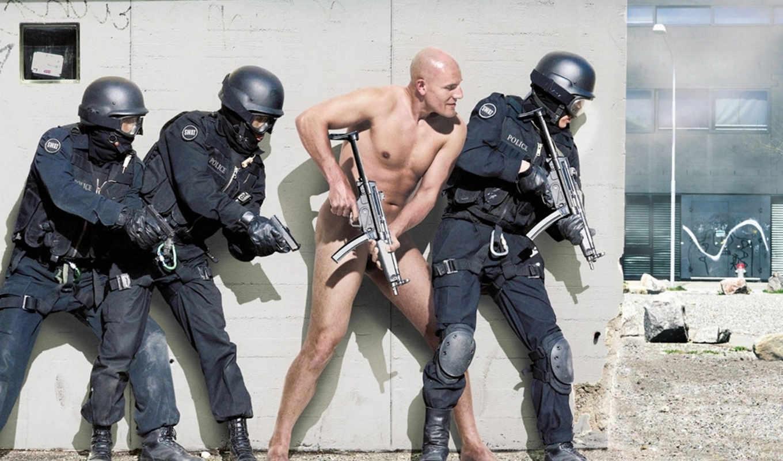обороне, готов, захват, оружие, iphone, голый, тревога, полиция, мужчина, форма, лысый, скинхед, use, блоги, não, für, чтобы, der, bild, zeigen, разрешением, спецназ,