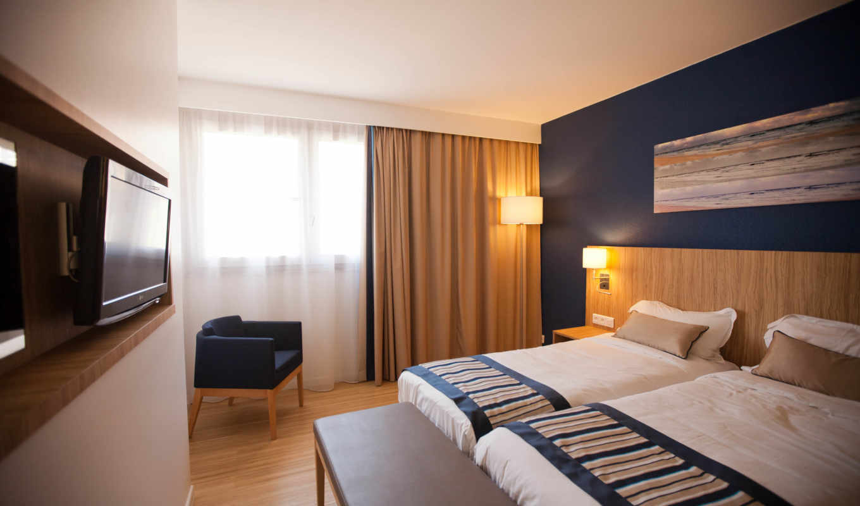 кровать, interer, разное, кресло, комната, шторы,