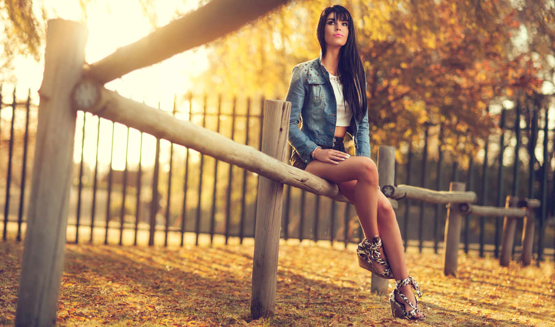 модель, women, brunette, modelo, parque, long, legs, сидит,