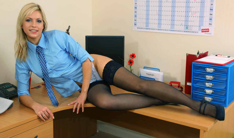 Секс в офисе 18, Порно в офисе. Секс с секретаршей 24 фотография