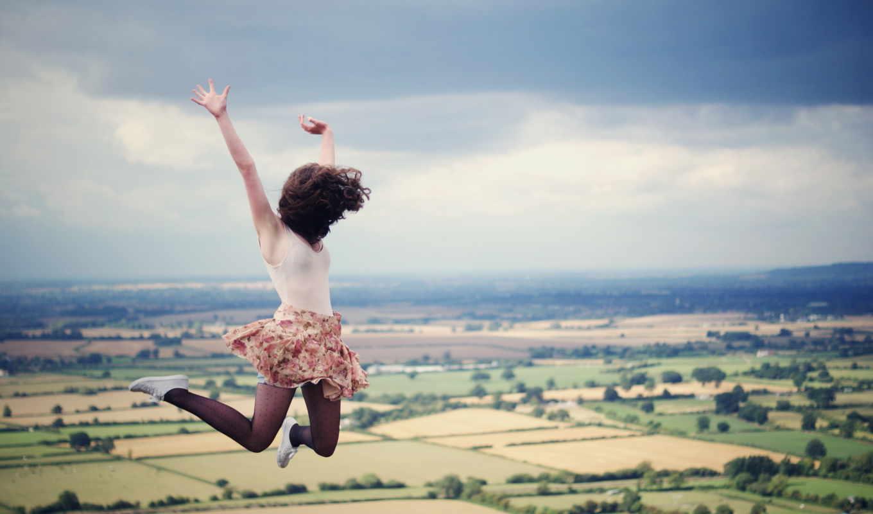 прыжок, девушка, devushki, юбка, небо, полет, margin, волосы, облако, товар, дешевые,