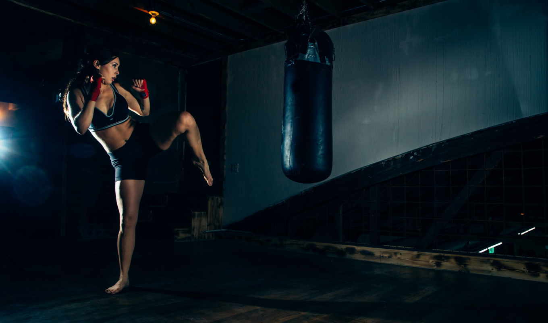 спорт, тренировка, девушка, груша, удар,