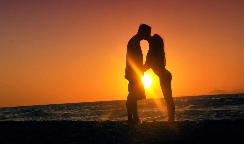 он и она, поцелуй, засветило, солнце, море