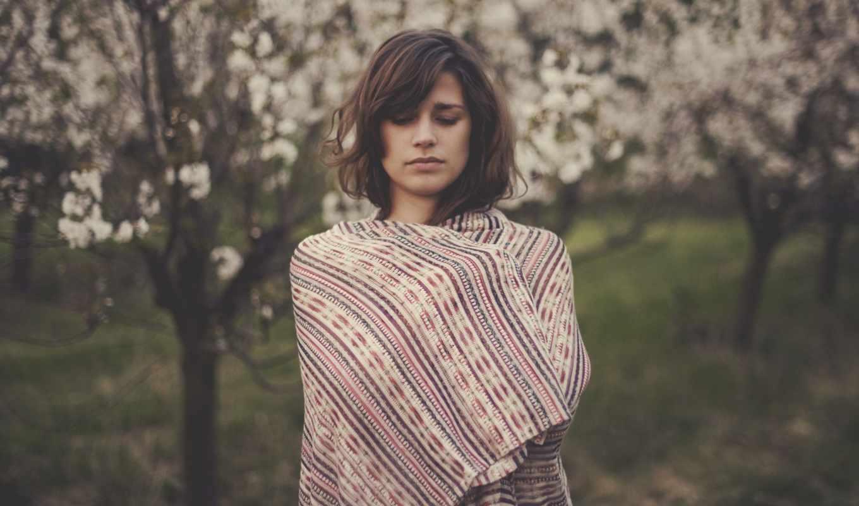девушка, настроения, холодно, лицо, деревя, одеяло, природа, лист,