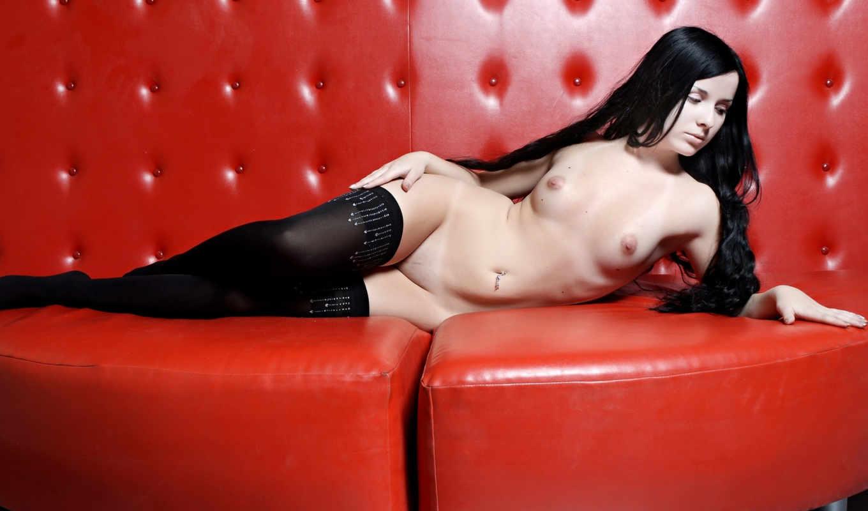 ,красном, диванчике, лобок, брюнетка, грудь,