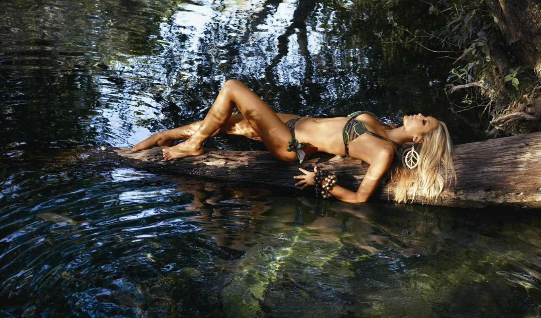 блондинка, река,купальник,девушка