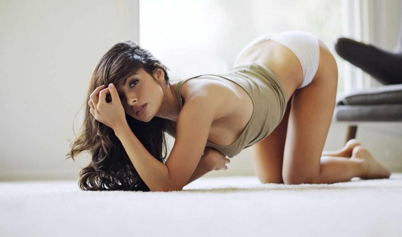 sarah, shahi, девушка, взгляд, брюнетка, майка, sexy, девушки, трусики, пол, hot, legal, рисунки,