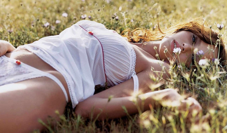 поле, девушка, девушки, лежит,