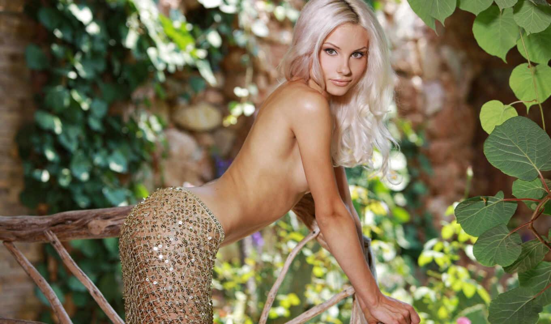 обои, эротика, adelia, блондинка, фото, обнаженная, девушка, модель, presenting,элитная, разделась, природа, девушки, грудь, девуш