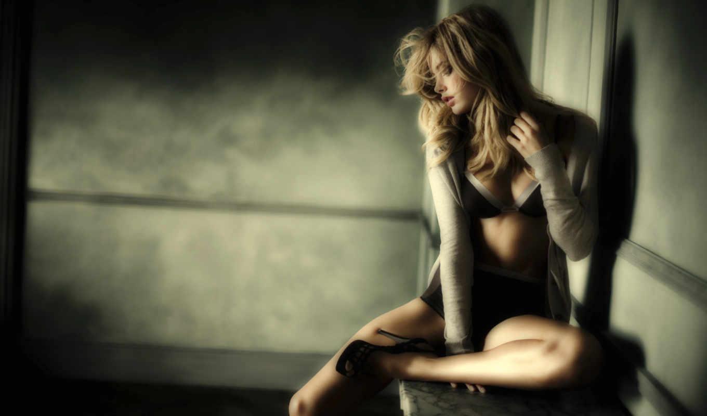 doutzen, kroes, girl, alone, блондинка, девушки, модели, комната, каблуки, iphone,
