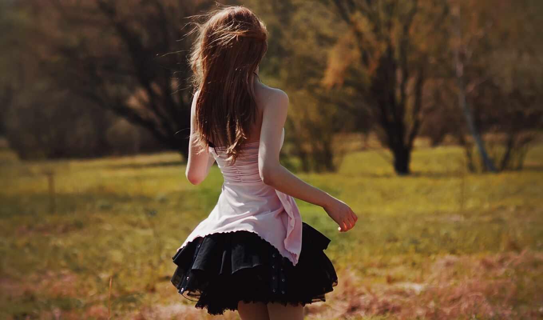 девушка,  ветер, лес, трава, лето