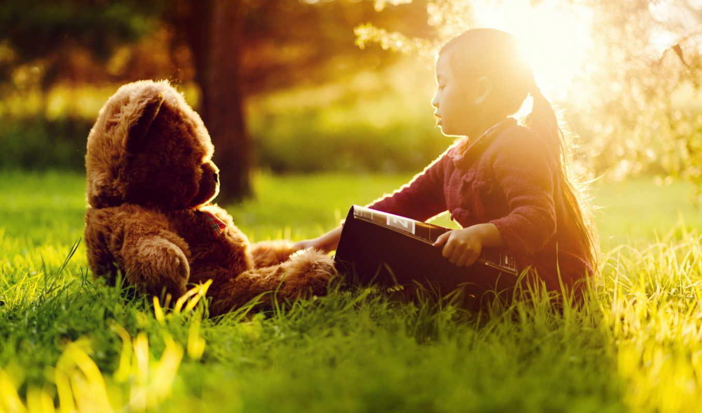 ,медведь,книга,трава,девочка,