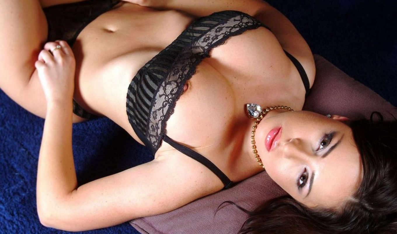 ,секси,черное белье,красивое белье, грудь,соски, шатенка,