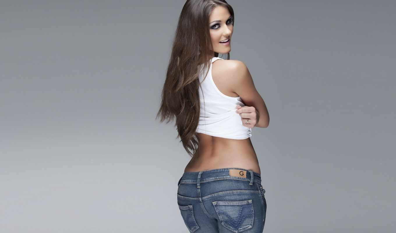 джинсы, девушка, спина, рубашка, графика, улыбка, взгляд, белая,