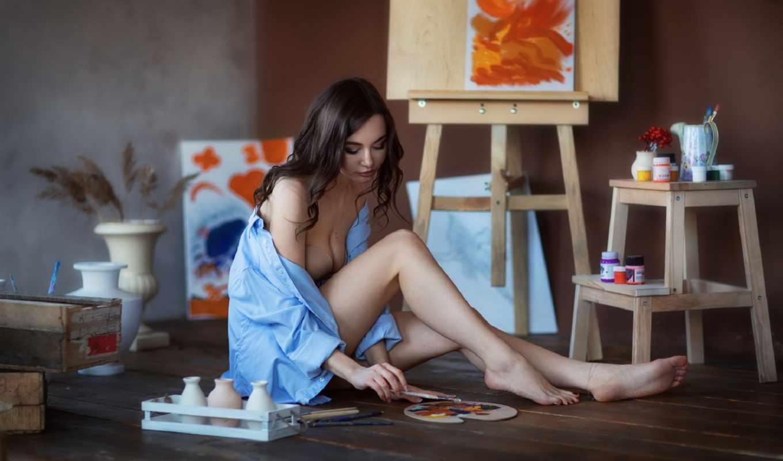 ,, красота, ножки, комната, длинные волосы, сидящий, черные волосы, стол,