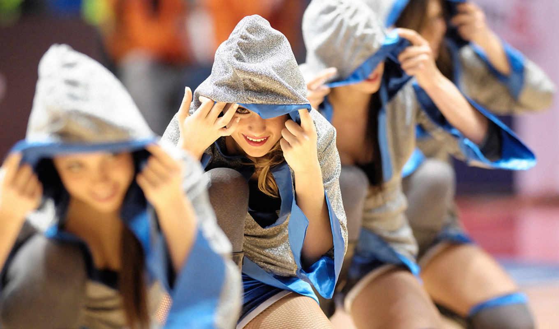 wallpaper, спорт, hd, девушки, форма, капюшон, девушка, выглядывает, cheerleaders, улыбка, wallpapers, sports,