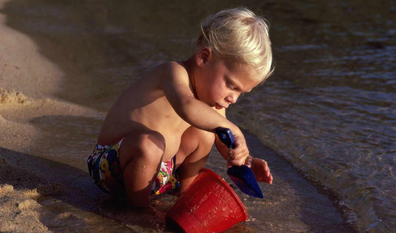 выпуск, ребенок, лопаткой, морском, берегу,