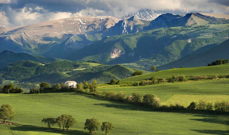 горы, house, деревья, небо, облака, italy, поле,