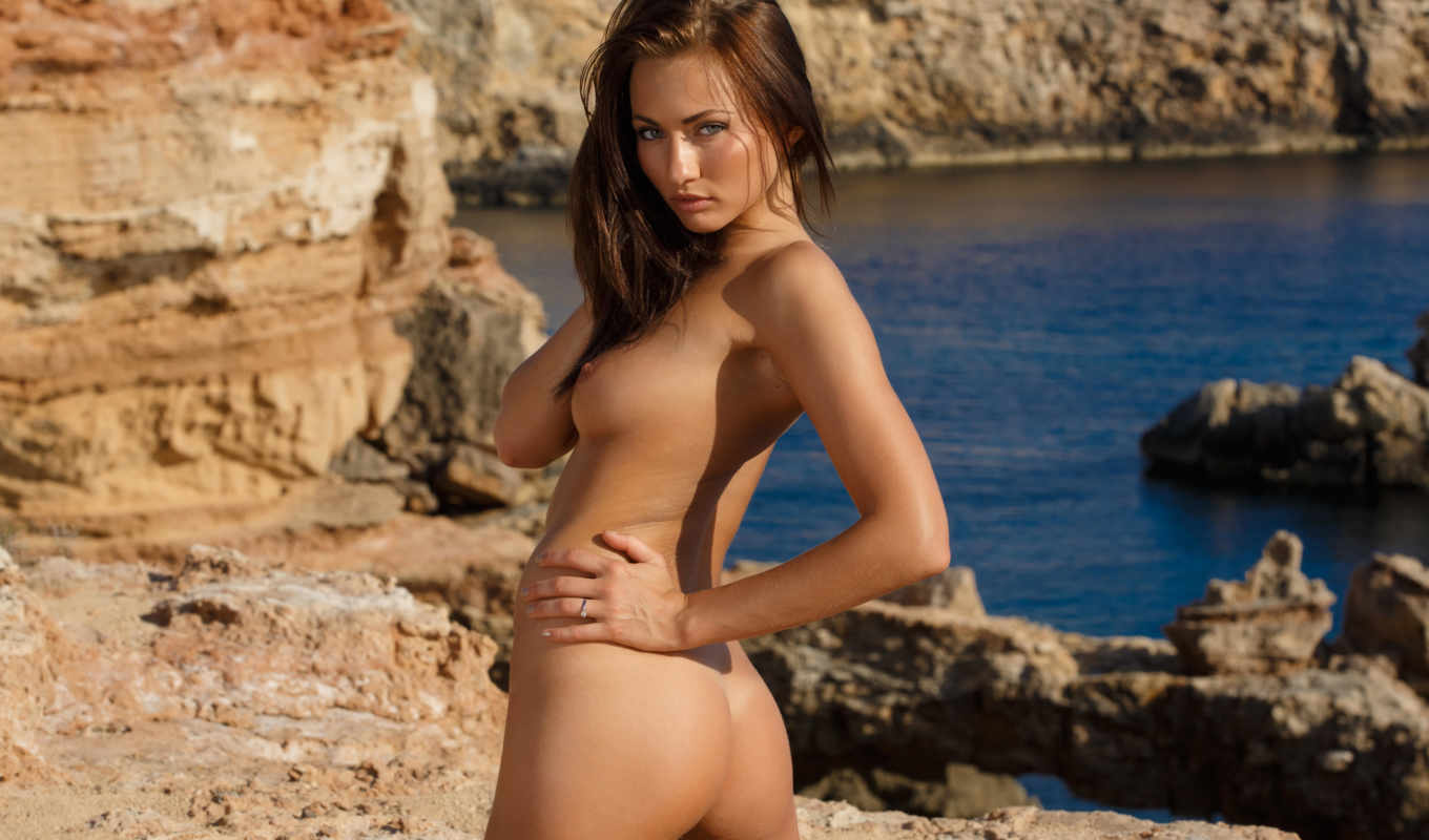 Hottest babes nude