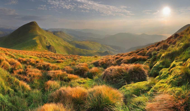 горы, autumn, солнце, mountains, облака, склон, mountain, небо, широкоформатные, мох, горизонт, гребень, яркое, mohnatie, clouds, download, skloni, desktop, hills,