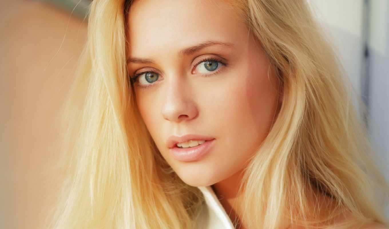 С офигенной блондинкой 10 фотография