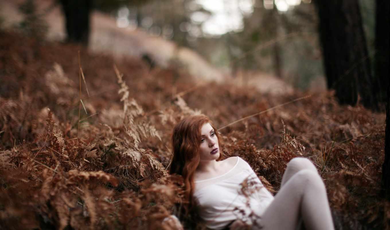 девушка, рыжеволосая, грусть, взгляд, лес,