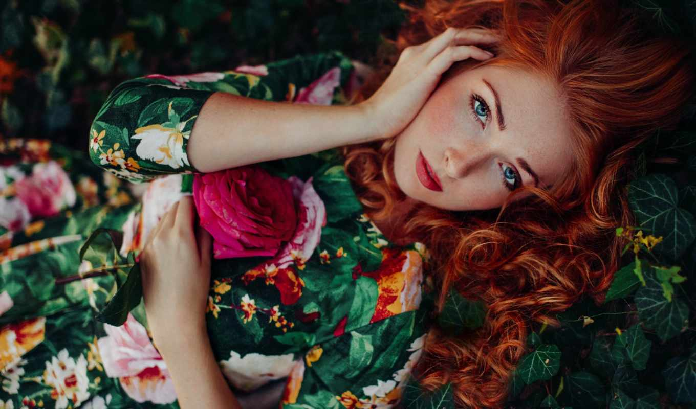 волосы, redhead, девушка, curly, women, модель, eyes, outdoors, flowers, looking, freckles,