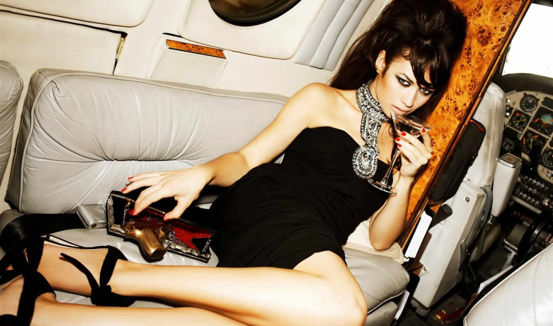 платье, чёрное, brunette, ольга, kurilenko, пистолет, девушка, cамолёт, glass, kurylenko,