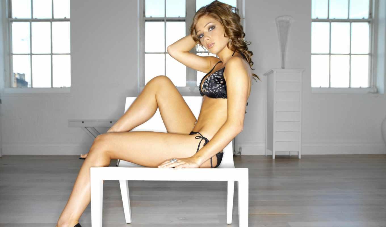 devushki, девушек, devushka, nikki, sanderson, стуле, комнате, сидит, огромной, красивых,