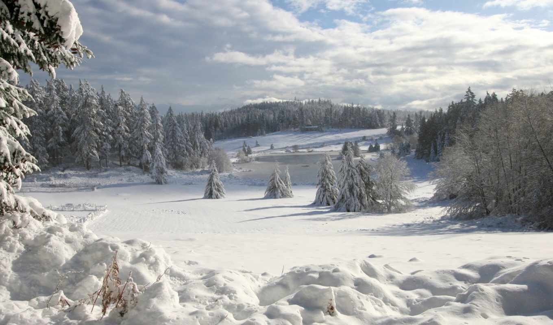 снег, зима, льда, ice, синий, небо, skies, houses, ели, дома, озеро, trees, солнце, деревья, лес,