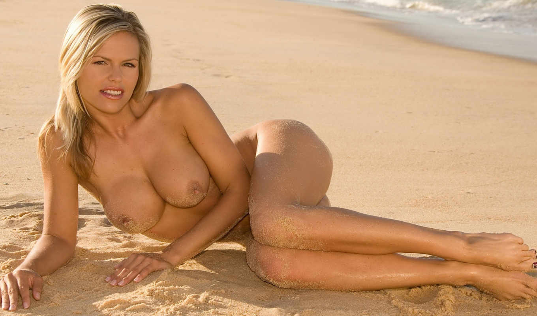 ,песок,девушка,голая,грудь,
