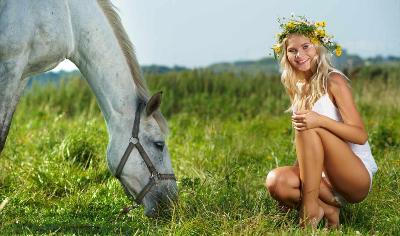 девушка, лошадь, луг, радость, венок, трава, небо, лето